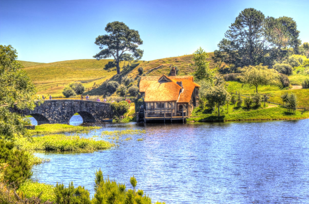Hobbiville Millhouse and Bridge